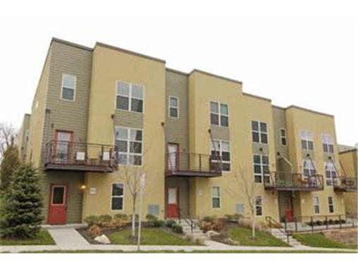Plaza Townhome - The Madison (2)
